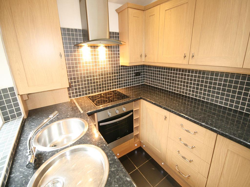 3 bedroom mid terrace house To Let in Barnoldswick - IMG_0935.jpg
